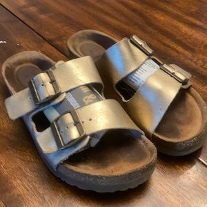 NAOT LEATHER SANDALS.